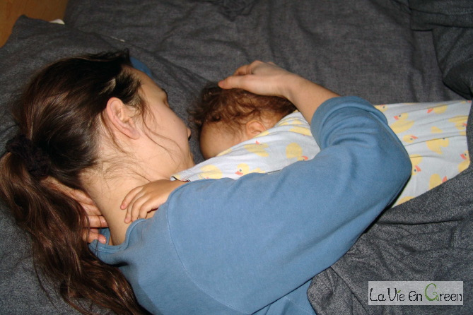 Co-sleepling for smooth night-time breast-feeding
